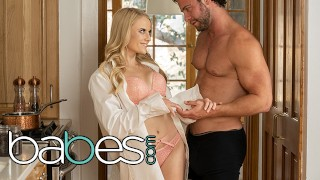 Babes - Slender Babe Paris White Hooks Up With Seth Gamble In The Kitchen