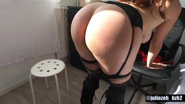 Striptease étudiante française en se caressant 12