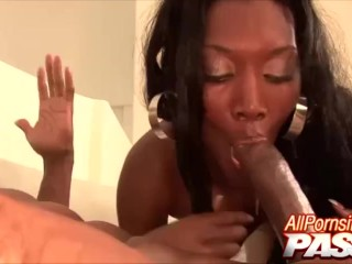 Black hottie nyomi banxxx loves to cowgirl...