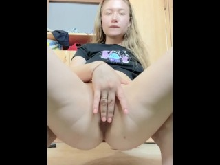 I fuck my pussy hard with my fingers and accidentally pee