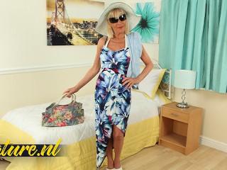 Hot british granny elaine loves being spotlight...