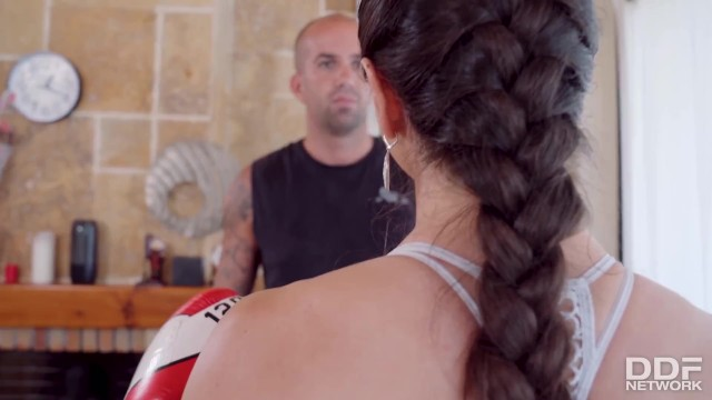 Voluptuous Spanish Boxing Slut Marta La Croft Gets Hit Below the Belt 9