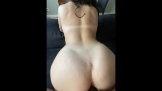 Tinder date goes crazy twerking on my dick (CREAMPIE)