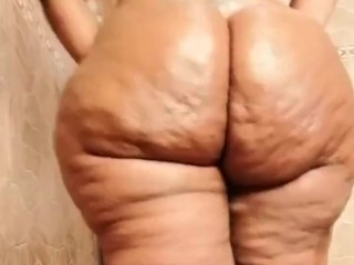 Bbw twerks and then spreads dirty pink asshole...