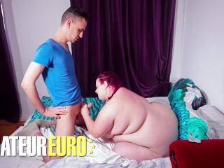 Hausfrauficken violett porn cheats with kinky stud...