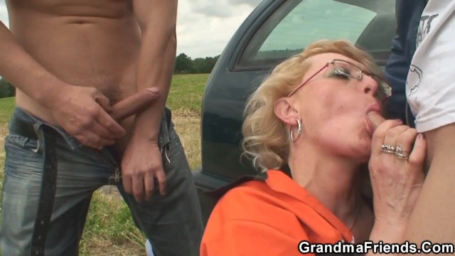 Picked up granny double penetration in the fields