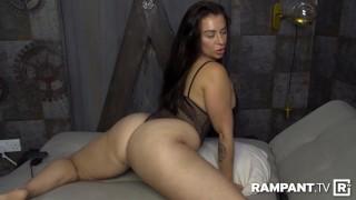 Kim J Shaking Her Big Booty