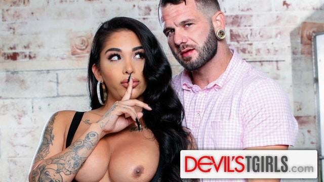 หนังโป๊ฝรั่ง DevilsTGirls สาวสองฝรั่งเจอดีโดนเย็ดไม่หยุด Jane Marie อ่อยผู้ชายชวนกลับห้องมาเอาตูด โดนหัวควยเย็ดรัวๆแทงเข้าไปมิดด้าม
