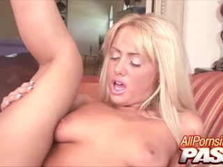 Nikki Kane  nackt