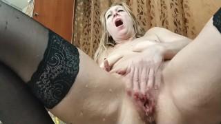 Milf squirt dildo sex matureorgazm