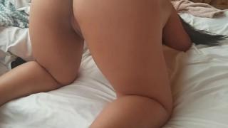 Intenso sexo a cuatro 4 patas con su mujer hermosa piernuda