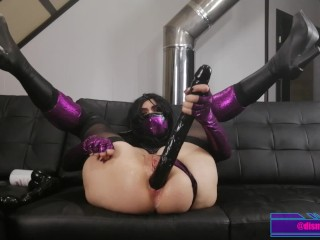 Dirty Slut Mileena eagerly swallows her own squirt – Mortal Kombat Cosplay Porn