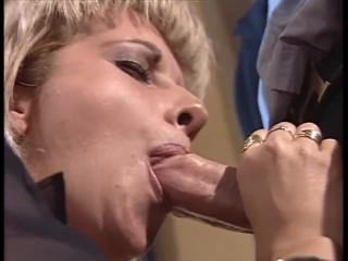 A blonde in search hd remastered version...