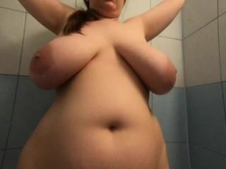 Quick shower boobs...