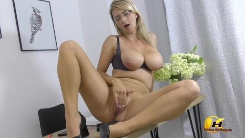 Hartlova porno katerina KATERINA HARTLOVA