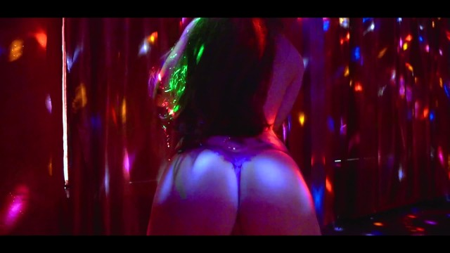 Petite erotic stripper pole dances and shakes ass - Lilly Red Chilli 1
