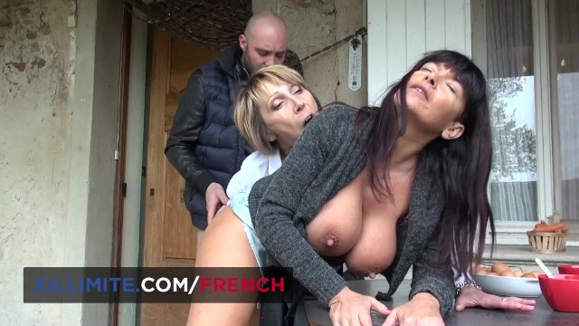 Threesome with 2 busty mature women 1
