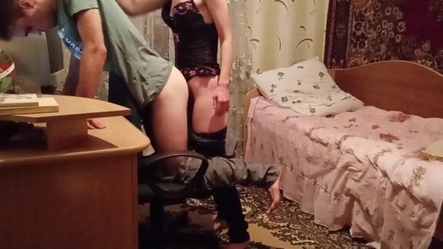 Наказание начальницей ленивого работника 3