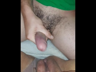 Fingering cumming on mammas dirty...