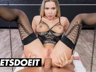 Slut venera maxima gaped in both holes...