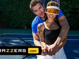 Brazzers - Gina Valentina Gets A Muscle Sprain & Xander Corvus Soothes Her Pain With His Huge Cock
