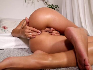 OILED HOLES get FINGERING ORGASM AND SQUIRT | LaraJuicy