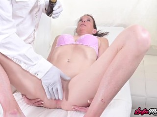 Athletic MILF Sofie Marie Examined And Fucked By Doctor
