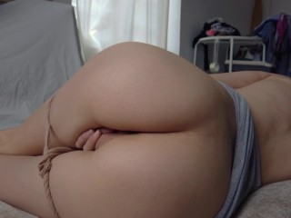 I TOUCH MY ASS AND GET WET – PUSSY SPREADING AND ASS FINGERING – CANDICE DELAWARE
