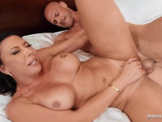 Rachel Starr and Johnny Sins have Sweat Dreams from Brazzers