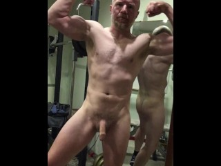Muscular worships himself then shoots cum over the...