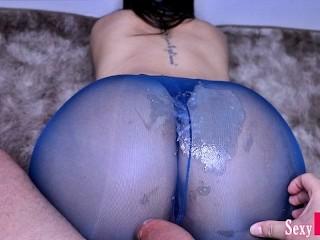 Cumming on beautiful blue pantyhose horny girl...