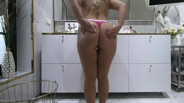 Blonde Curvy PAWG after shower  Lotion and cream 13