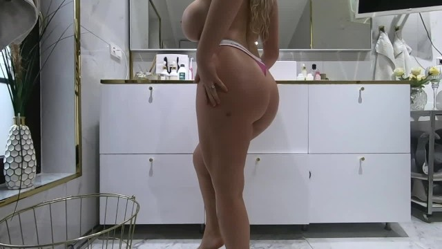 Blonde Curvy PAWG after shower  Lotion and cream 23