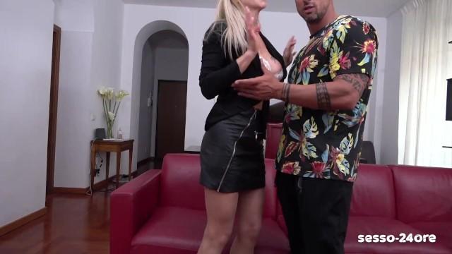 ITALY: FUCK! caught cheating, my wife fucks affair: Lara De Santis & Elisabetta Zaffiro! SESSO-24ORE 17