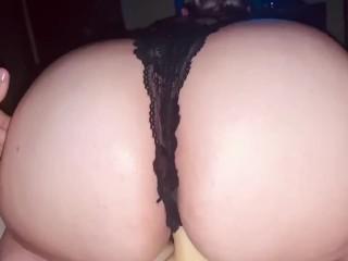 Her dildo nice and creamy...