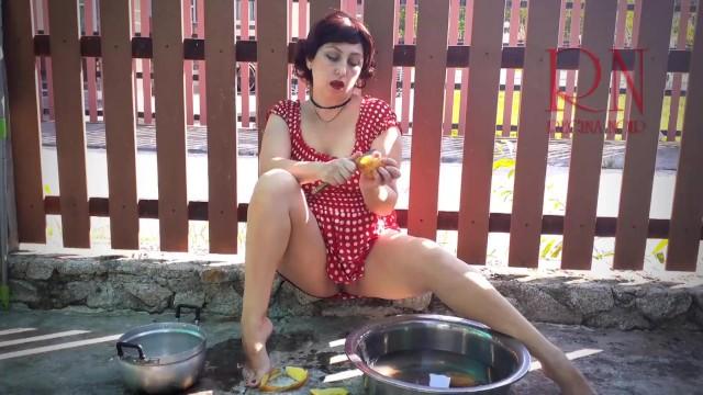 Vintage maid have no panties. Summertime heat. Potato 1 10