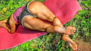 Jerk Off On My Soles - Milf With Sexy Legs Shows Off Her Amazing Feet At Picnic