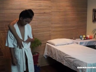 Asian Boys Masseur and Marcon Fucking