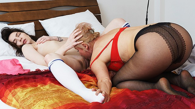 mom teaches her sweet stepdaughter