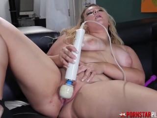 PORNSTARPLATINUM Chubby Amateur Crystal Wolfe Rubs Her Pussy arab models instagram boobs