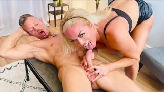 MILF ORGASM! I fingered her pussy until she cums 5 times: Rebecca Jane Smyth - DATERANGERR