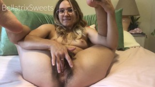 Hairy babe squirting on bed