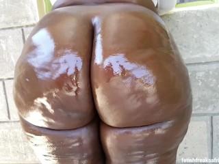 Busty bubbly butt...