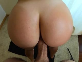 Amateur pov a fit ass twerking until cum...
