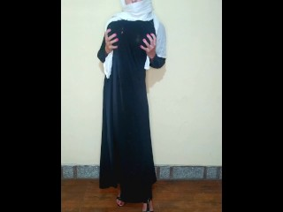 Busty chechen hijab gets fun and bursts a...