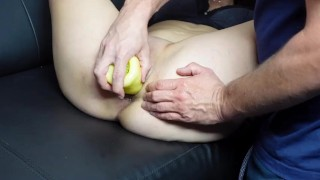 BIZARRE INSERTION FISTING vegetables BIG YELLOW PEPPER