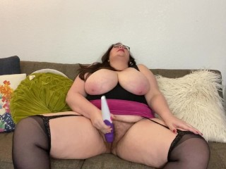 In stockings cums with vibrator...