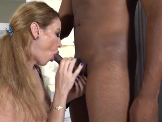 White girl has sex with a black guy for the first time- WetKelly