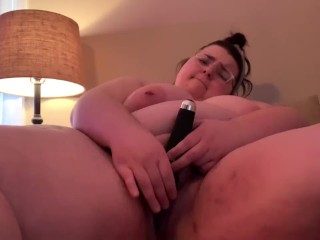 Bbw lets you fuck her with new toys...