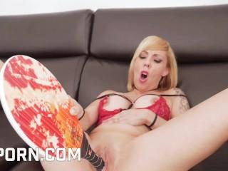 Big boobs perla rubiax enjoy hot object pussy...